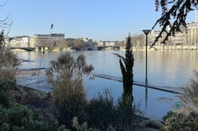 The Seine flood in the Jardin Tino Rossi