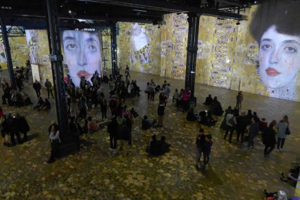 Atelier des lumieres-Paris-Klimt et l or-01