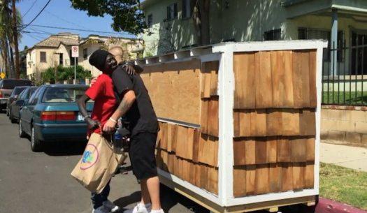smokie-elvis-hug-tiny-house-LA-homeless-submitted