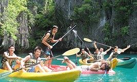 Hong Kong tourists Kayaking in El Nido
