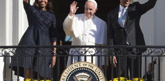 The first couple welcome Pope Francis
