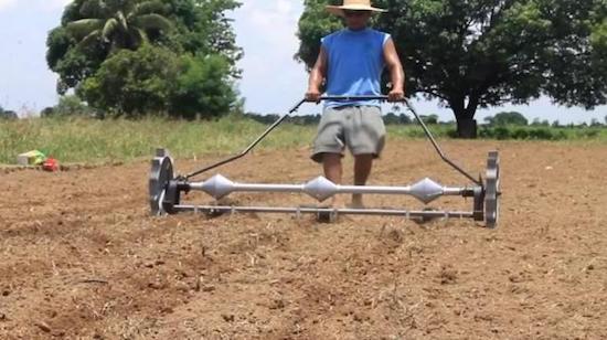 Mechanical corn planter