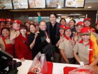 PM Justin Trudeau visits Jollibee's 1st Canada store