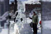 Paete carver Rogel Cabisidan wins King of Ice Sculptors title in France