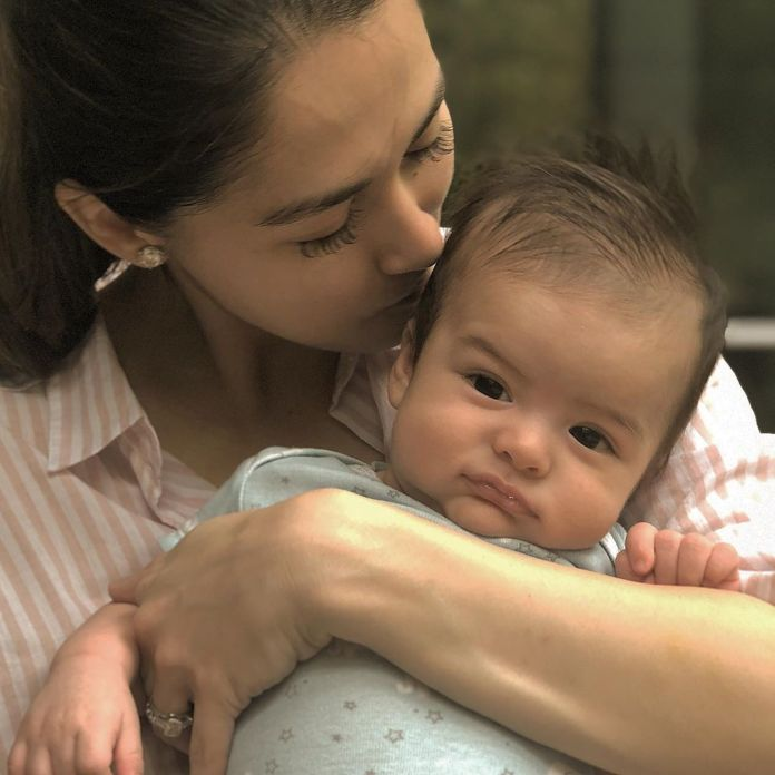Marian Rivera breastfeeding