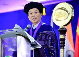 Jollibee founder Tony Tan Caktiong tips to new graduates