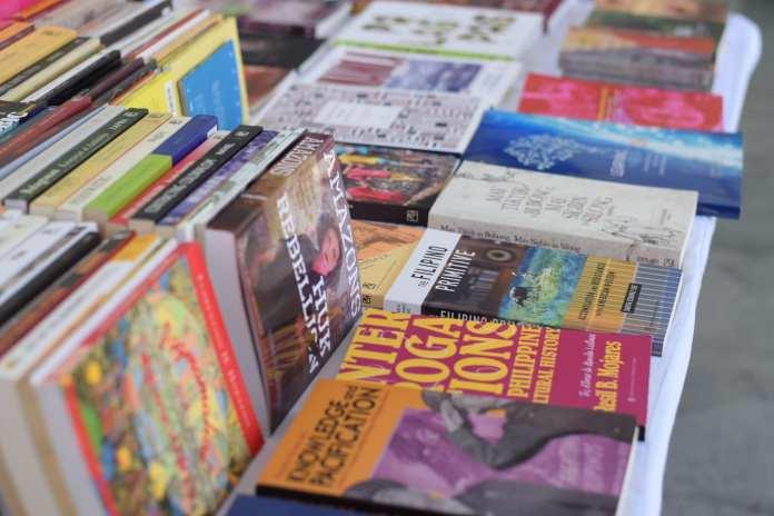 Ateneo Aklatan all-Filipino book fair