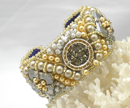 Offwhite Crystal Bracelet