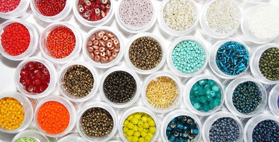 Destashing Beads In Colorful Containers