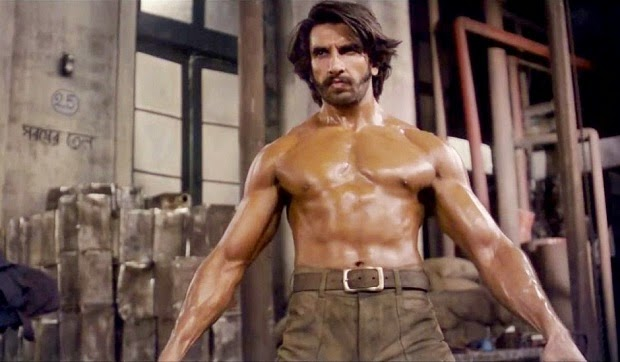 Irrespective of the hectic schedule, Ranveer Singh is punctual for his fitness regime. The actor's trainer, a week ago, shared the image of the actor working out in the gym.