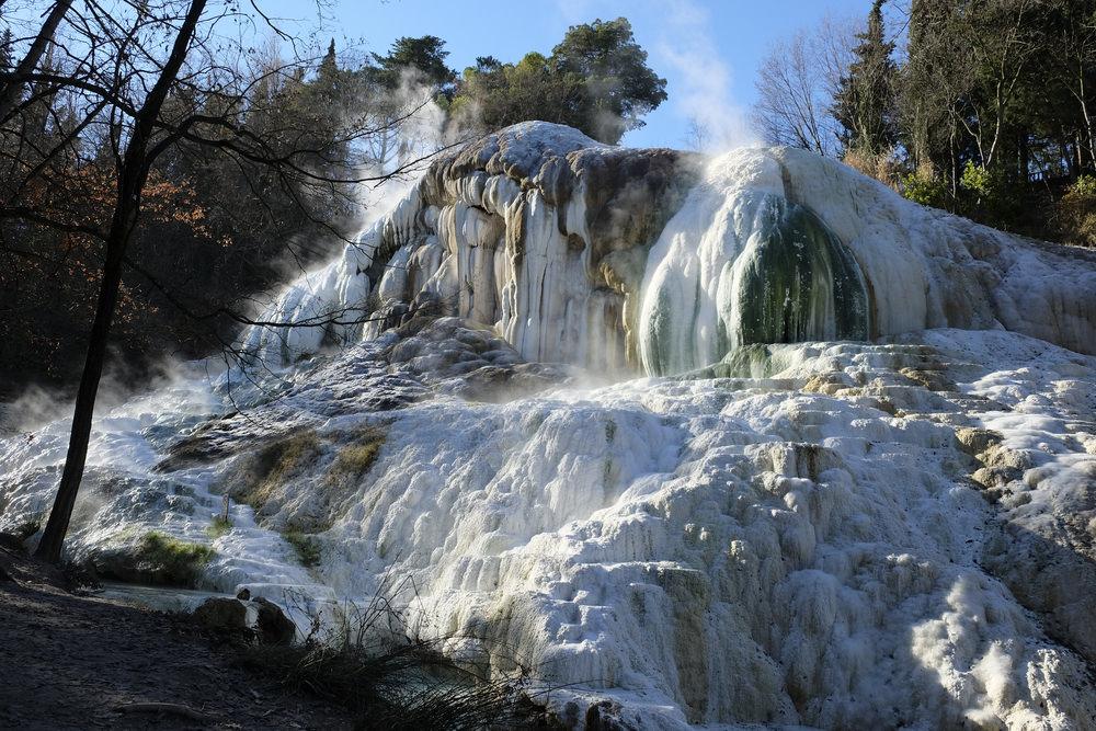 Bagni San Filippo trekking in Toscana tra natura e terme naturali