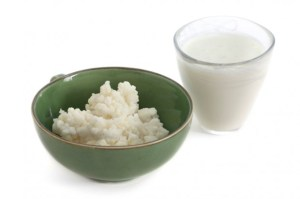 Kefir Health Benefits - Bowl of kefir and glass of kefir milk