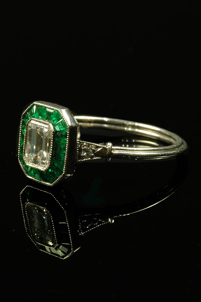 Beautiful Art Deco Style Emerald And Diamond Ring