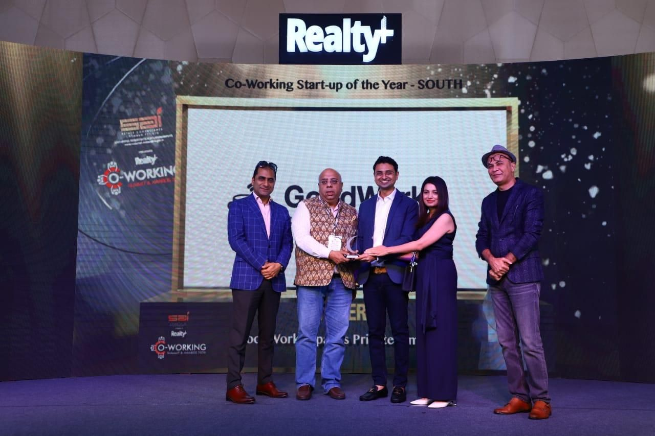 Coworking-Start-Up-of-the-Year-Award-by-Realty