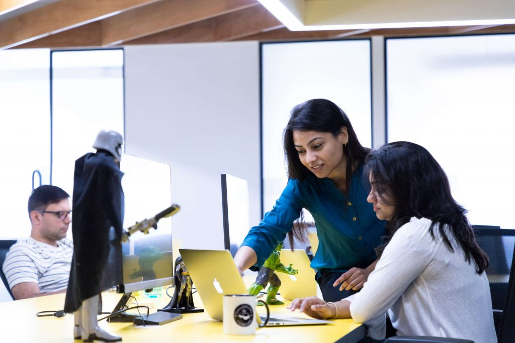Top 5 Reasons Why Startups, Entrepreneurs, and Large Companies Are Moving to Coworking