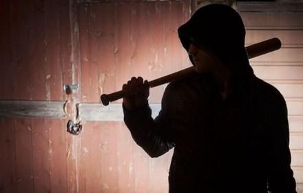 Украинец избил своего босса бейсбольной битой  за невыплату зарплаты