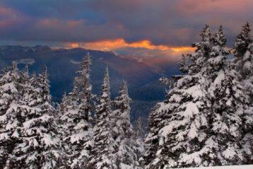 Опасные зимние горы. Что взять с собой, чтобы предотвратить несчастье
