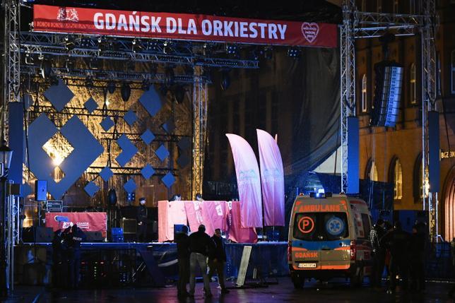 На президента Гданьска напали на благотворительном концерте. Он скончался. Обновляется.