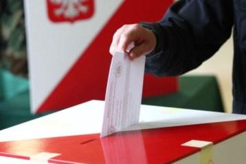 Українські ЗМІ про польскі вибори: Польща залишається хоч і складним, але партнером України.