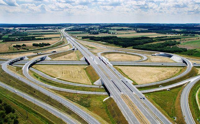 Вартість будівництва кілометра автошляхів в Польщі становить 35 мільйонів злотих