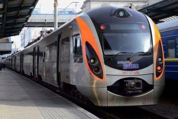 З Польщі відправлять в Україну ще 2 потяги. У Перемишлі незадоволені через організацію евакуації