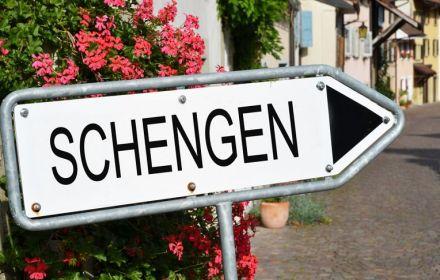 З 13 червня Польща відкриває кордони у Шенгені, а з 16 відновлює авіаперевезення