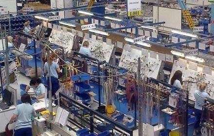 У Польщі звільняють працівників заводу Yazaki