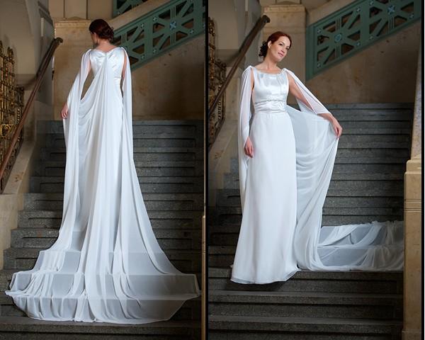 Langes Brautkleid Mit Schleppe