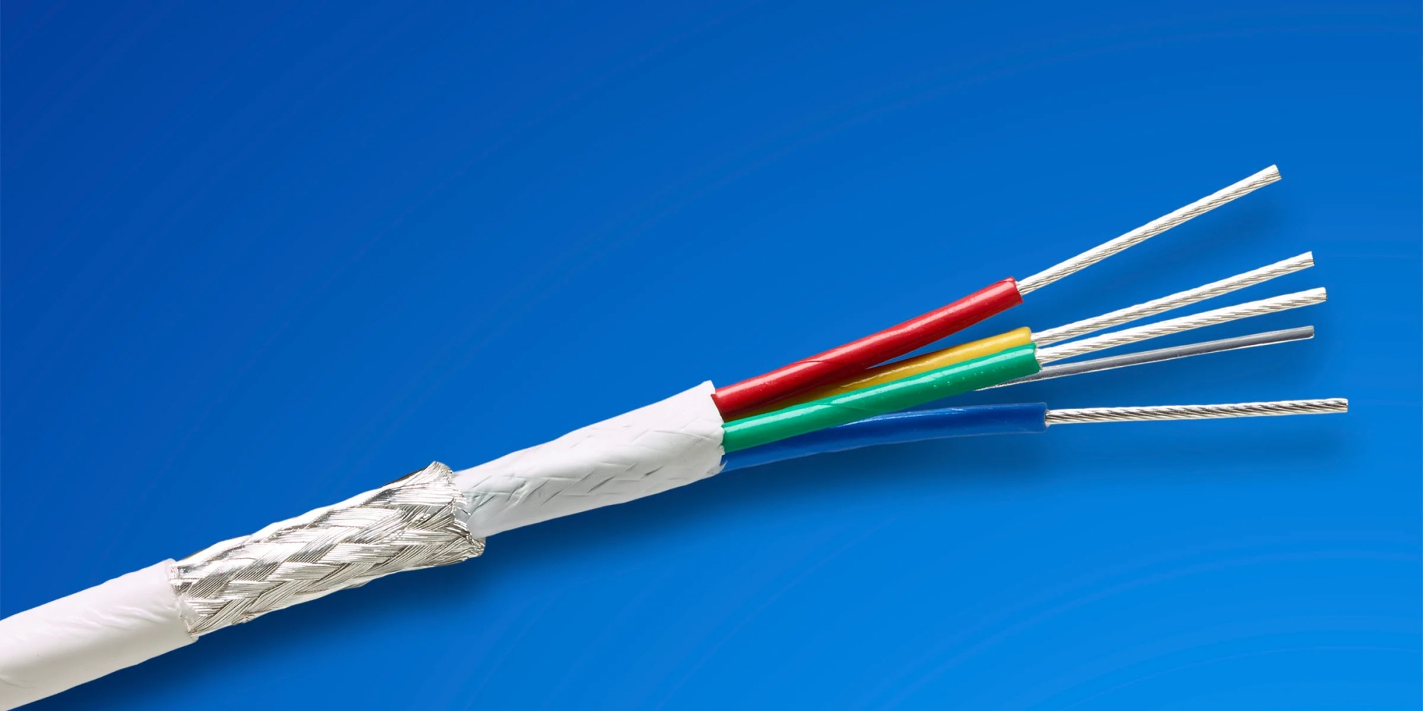 hight resolution of these cables also have a high density design that is substantially smaller and lighter weight without sacrificing durability or signal quality