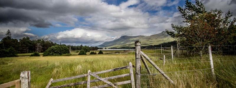 Sur le bord du Loch Thulla
