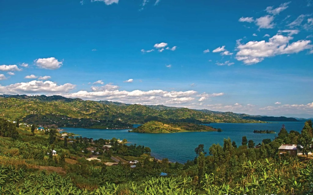 Lake Kivu Rwanda boat ride - beach tour
