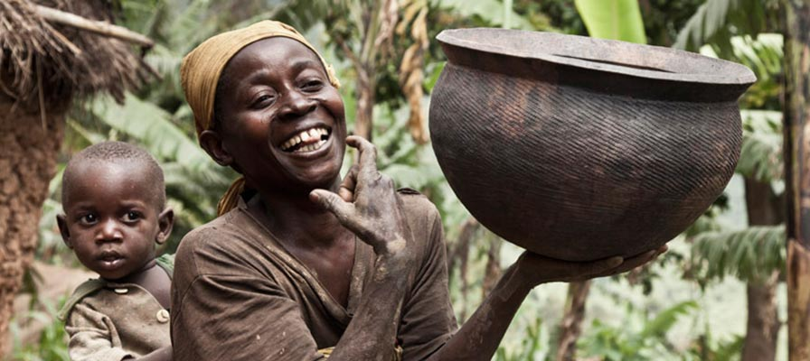Batwa Trail - Uganda's Bwindi Native Tribe