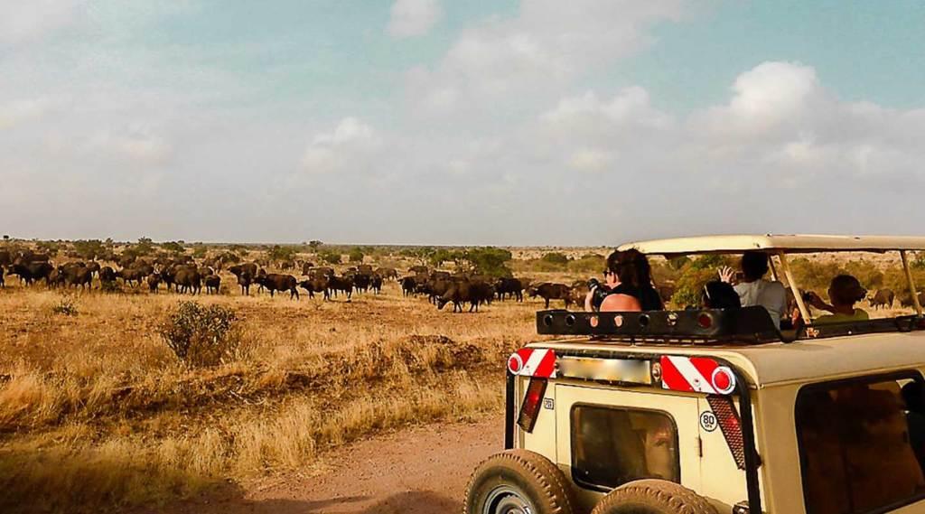 safari vehicles rent in Uganda