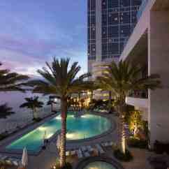 Modern White Chair Minnie Mouse Folding Hilton San Diego Bayfront - Go