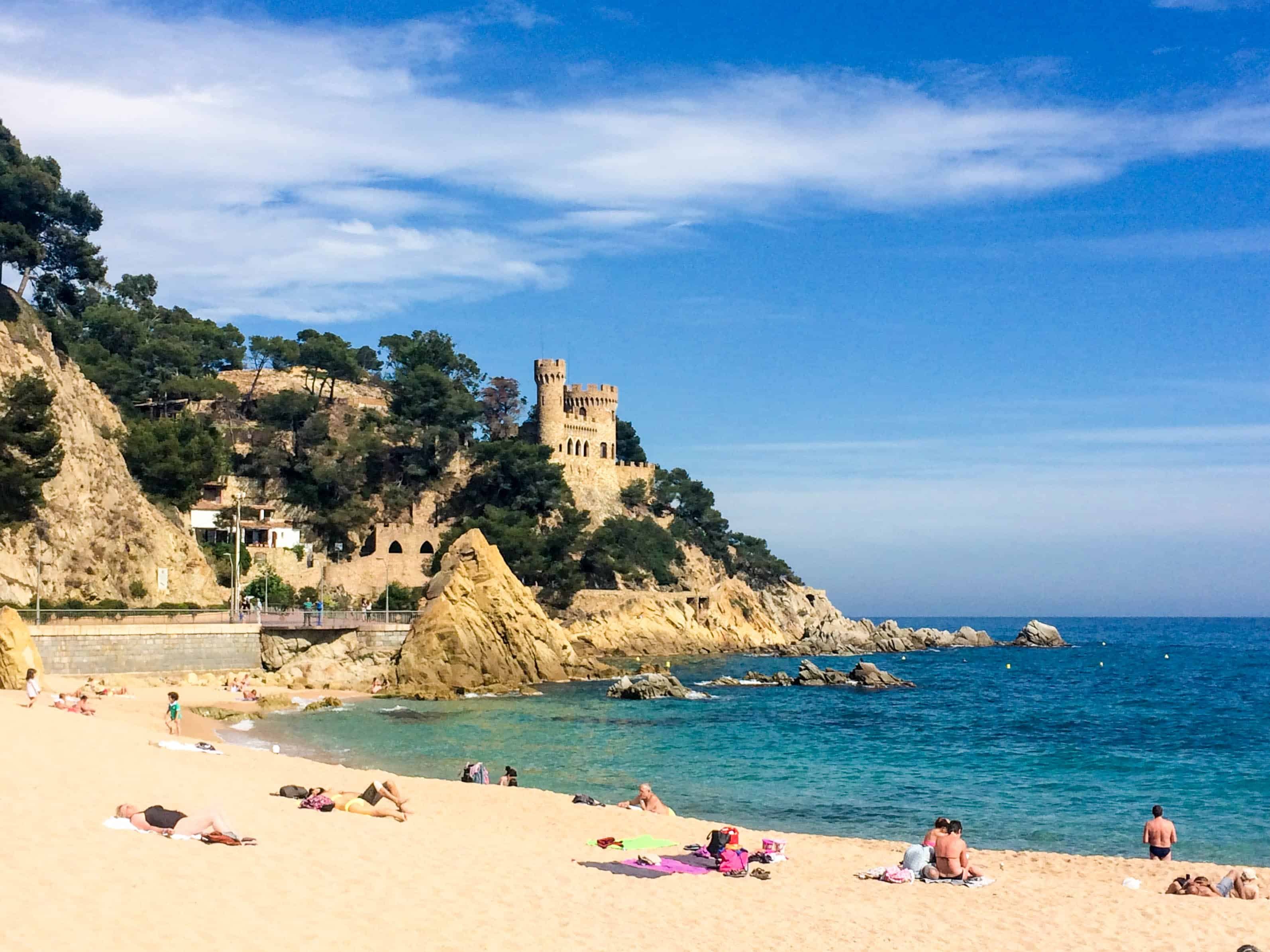 Lung cancer remains the most commonly diagnosed cancer and the leading cause of cancer death worldwide because of inadequate tobacco control policies. A weekend guide to Lloret de Mar, Spain