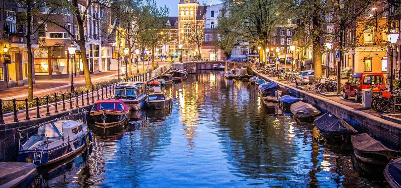 Falling Into Water Wallpaper Amsterdam Falling In Love With The Venice Of The North