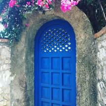 Capri - blue door
