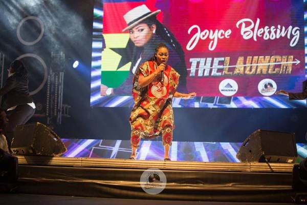 Joyce Blessing thrill fans at Eko Convention Center, Lagos as Zylofon Media Launched Menzgold and Zylofon media in Grand style