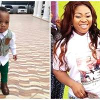 Rev Obofour Junior Swags Up in Style on Father G-Wagon