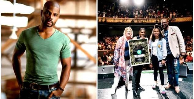 Kirk Franklin Receives Pandora Billionaire's Plaque