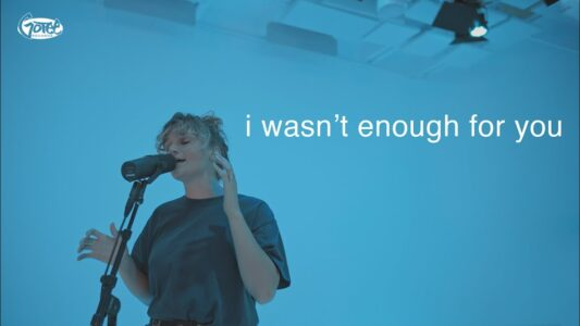Hollyn - I Wasn't Enough for you (acoustic)