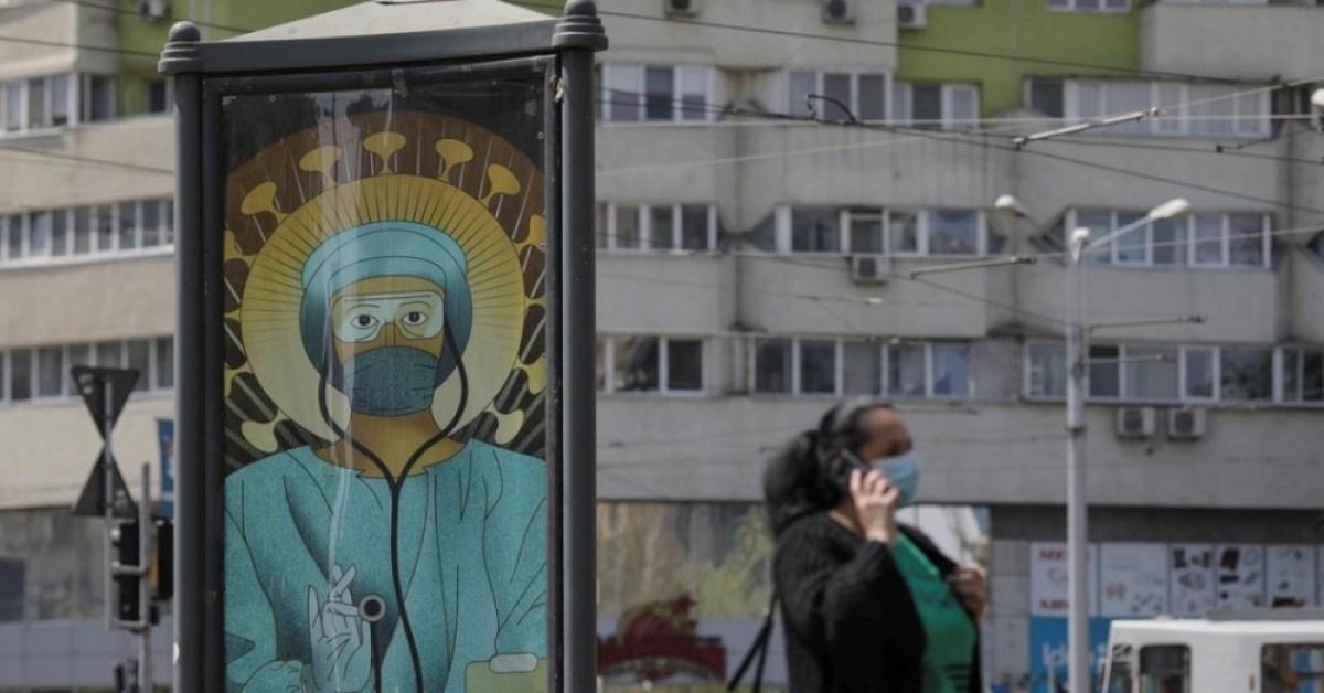 """Igreja chama de """"blasfêmia"""" campanha que retrata médicos como santos"""