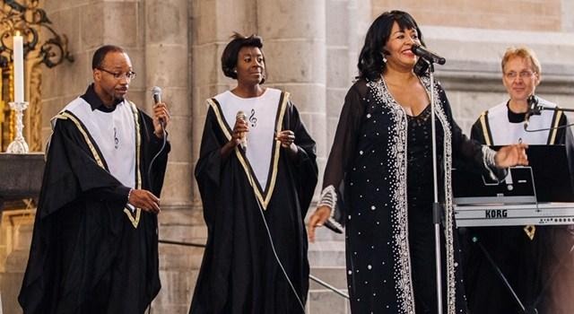 """""""BLACK & WHITE Gospel"""" Tourneekonzert – Deborah Woodson und der Gospeltrain Ahaus"""