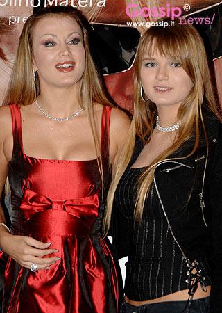 Eva e Mercedesz Henger