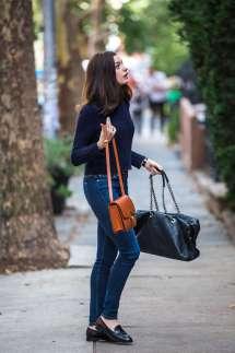 Intern Anne Hathaway Jeans