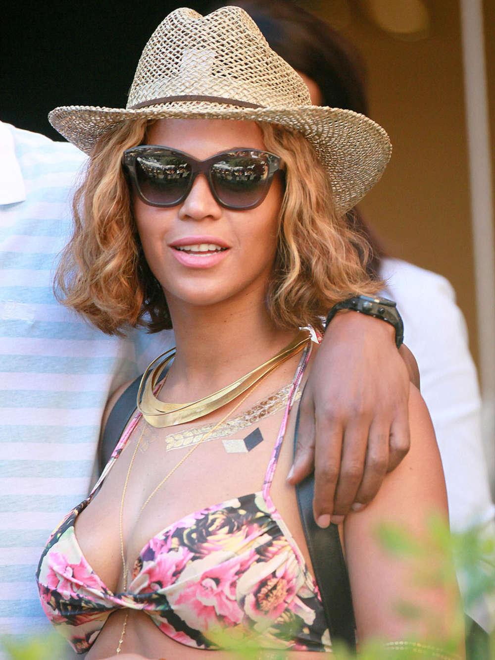 Beyonce In Bikini 25 GotCeleb