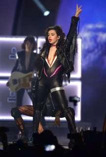 Charli Xcx In Bodysuit Mtv Ema 2014 -02 Gotceleb