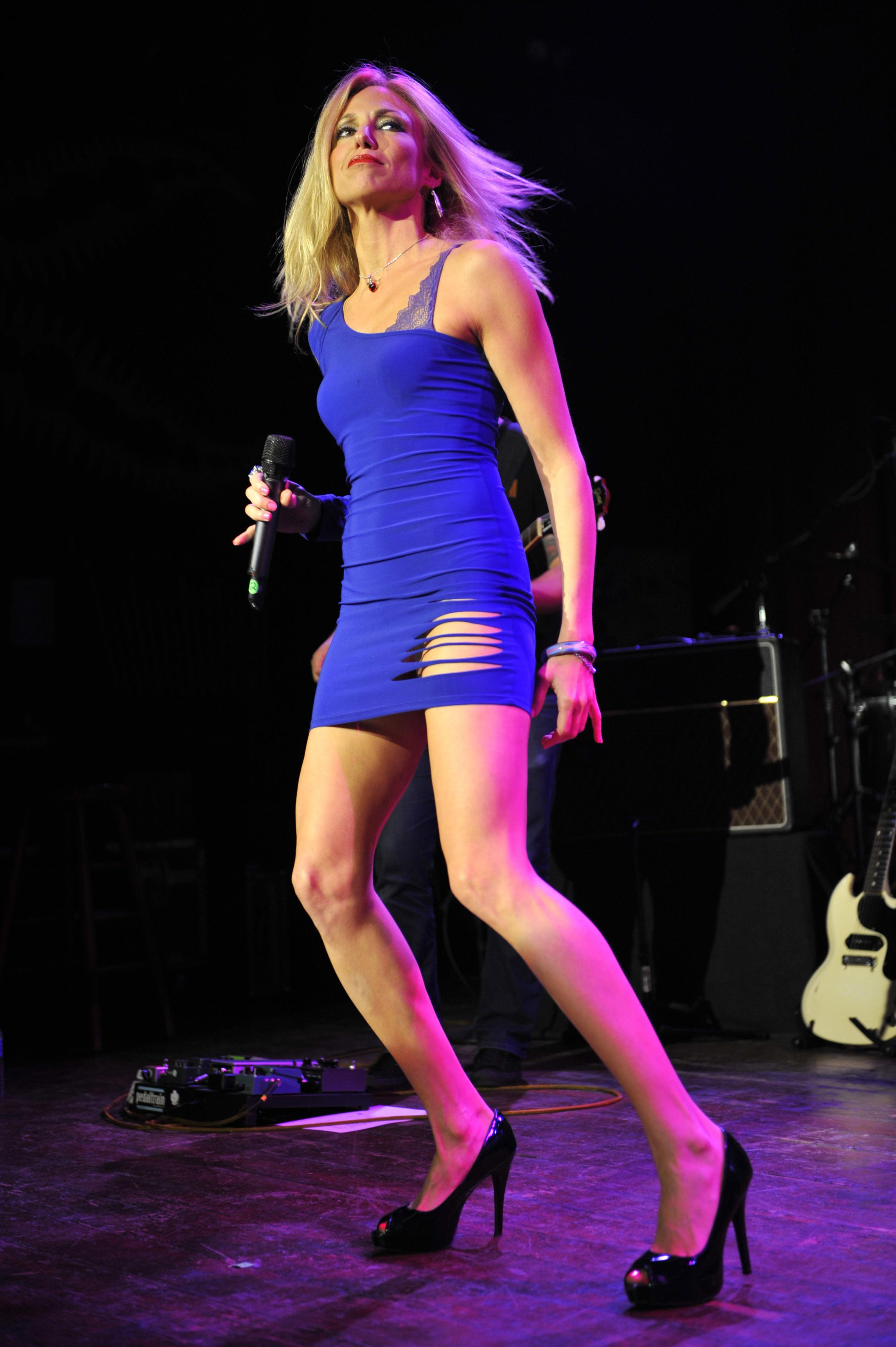 Debbie Gibson  House of Blues performance in Blue Tight