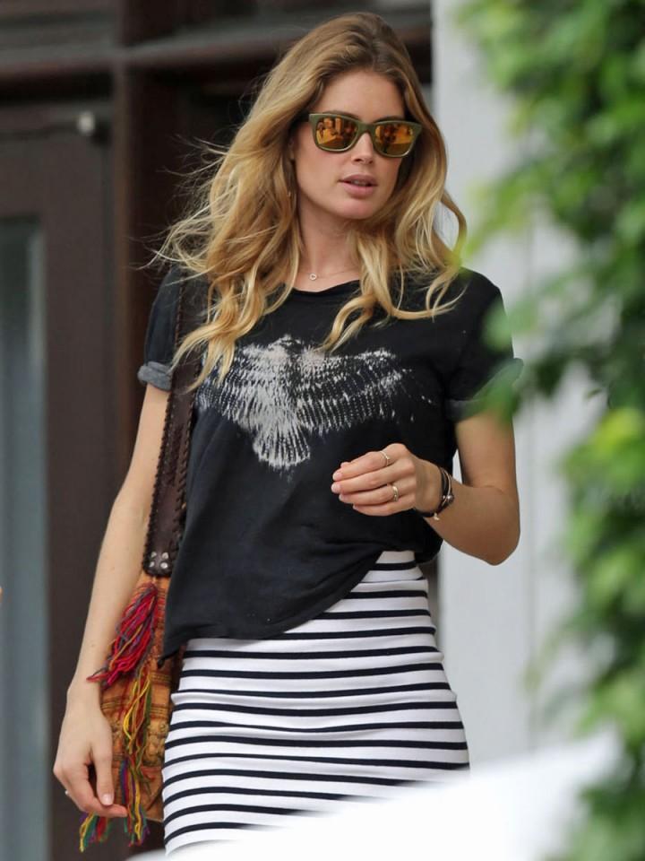 Doutzen Kroes Photos Hot In Mini Skirt Leaving Her Hotel 07 GotCeleb