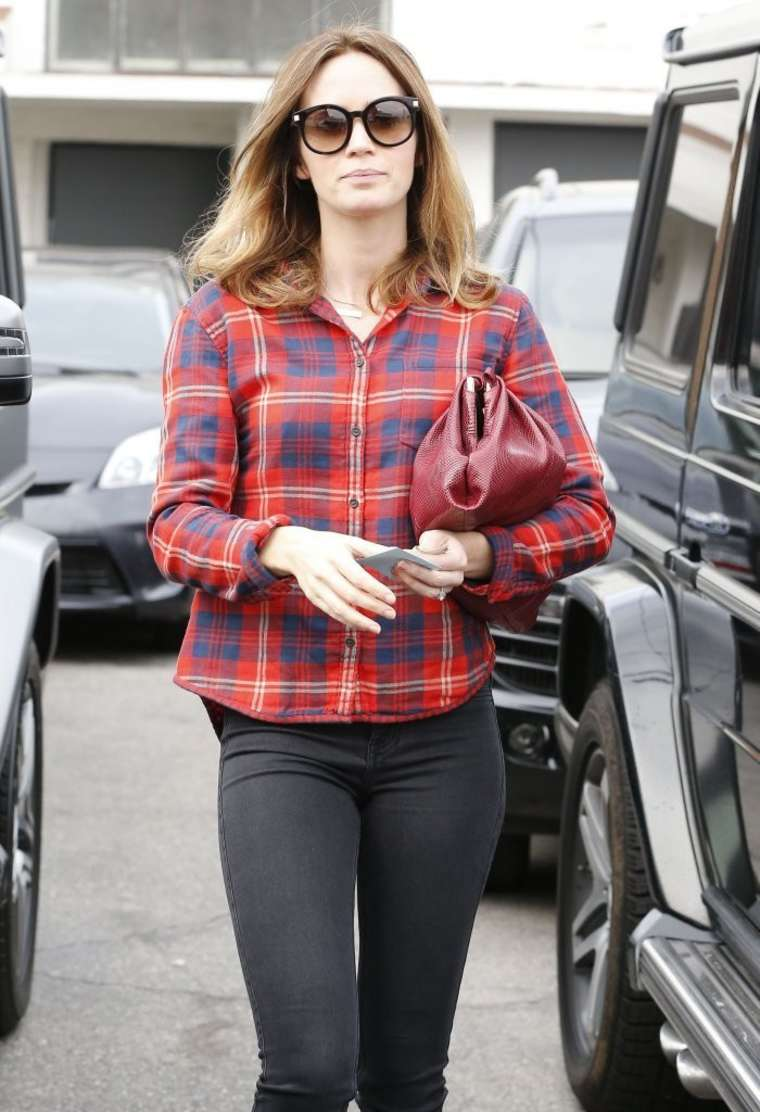 Emily Blunt in Tights Heading to a Hair Salon in Beverly Hills